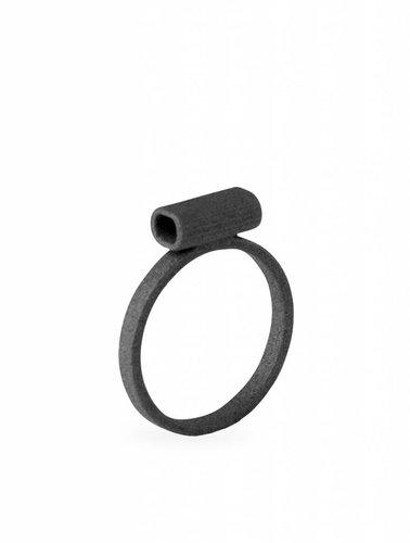 Ola Minimal Tube Ring Black