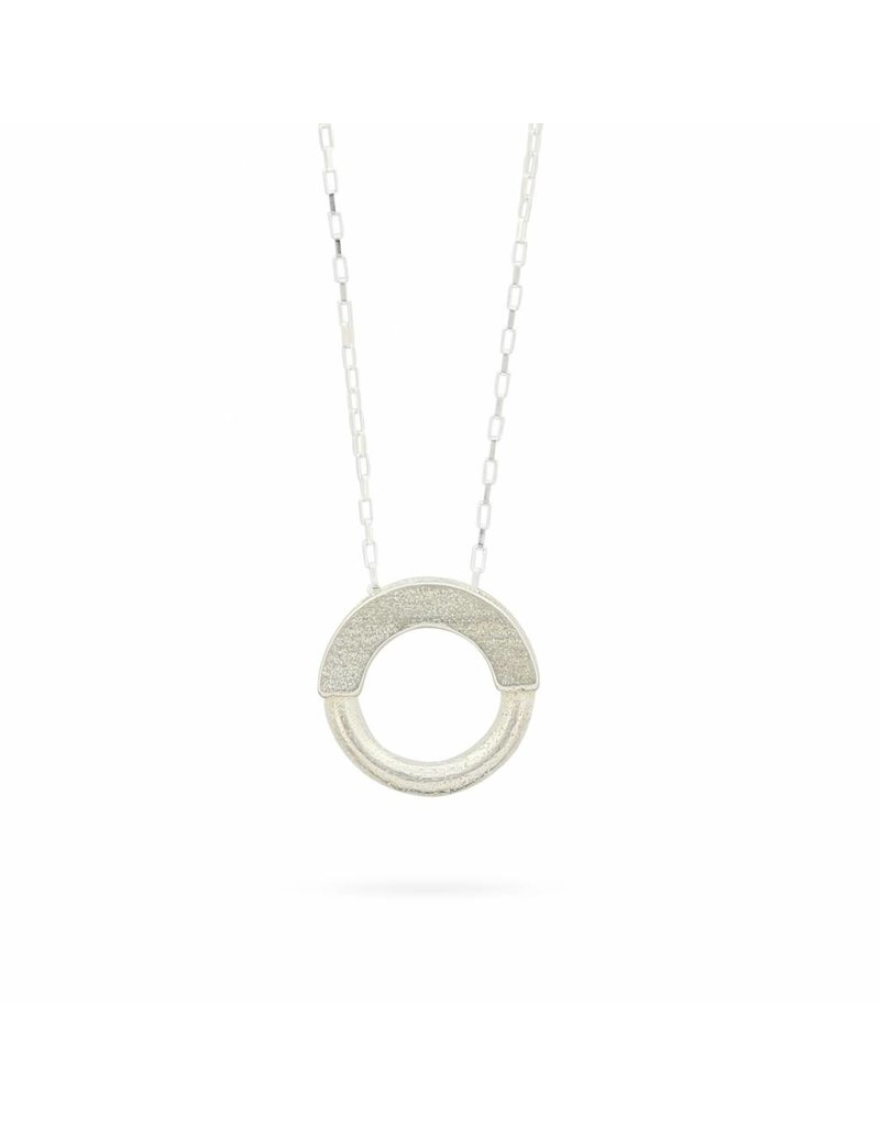 Ola Necklace Short Contrast Silver