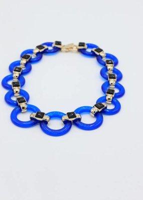 Halsketting met blauwe schakels