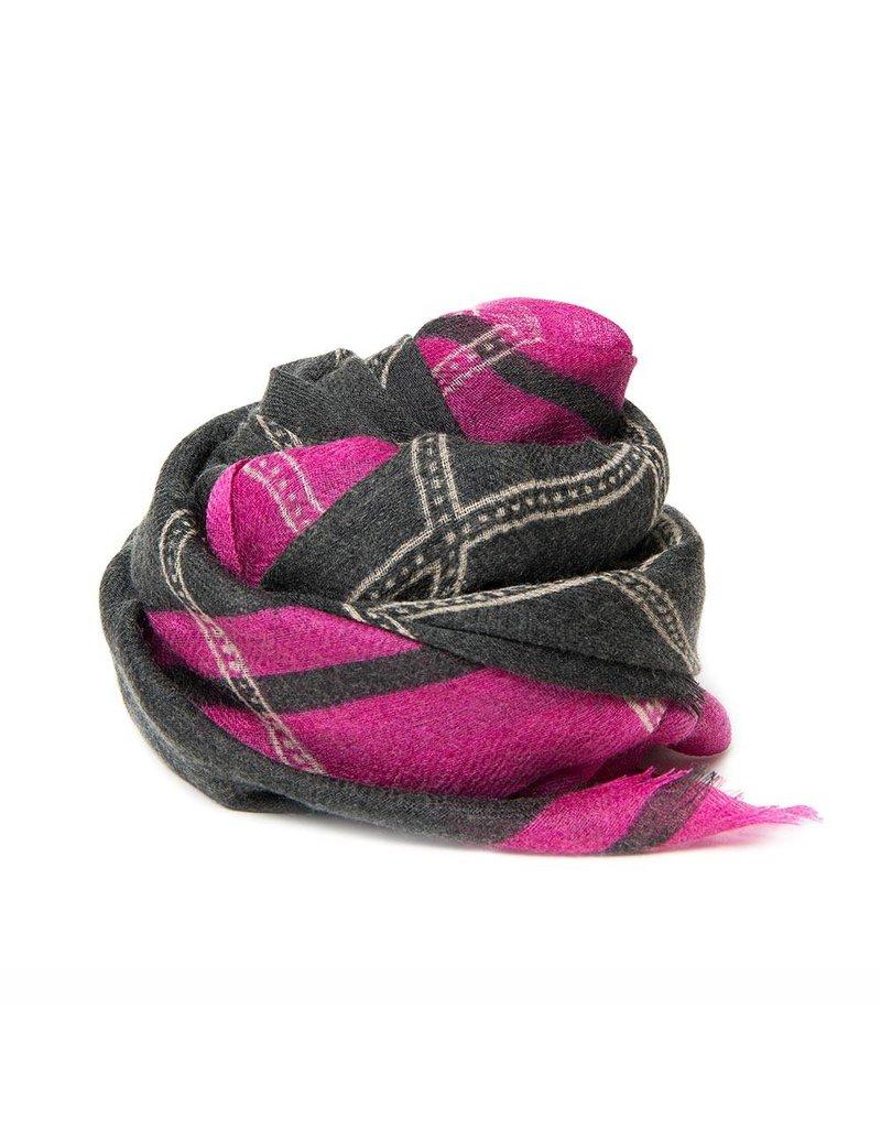 Hellen Van Berkel Scarf Diamond 2 100% wool