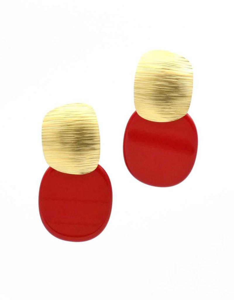 Manuel Opdenakker Oorbellen stekers vierkant gestreept en platte hanger goud/rood