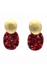 Manuel Opdenakker Oorbellen stekers ovalen knop gestreept met platte hanger goud mat/rood gevlekt