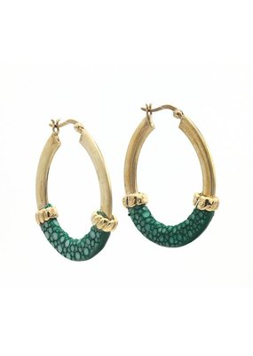Barong Barong Earrings gold with stingray skin Green