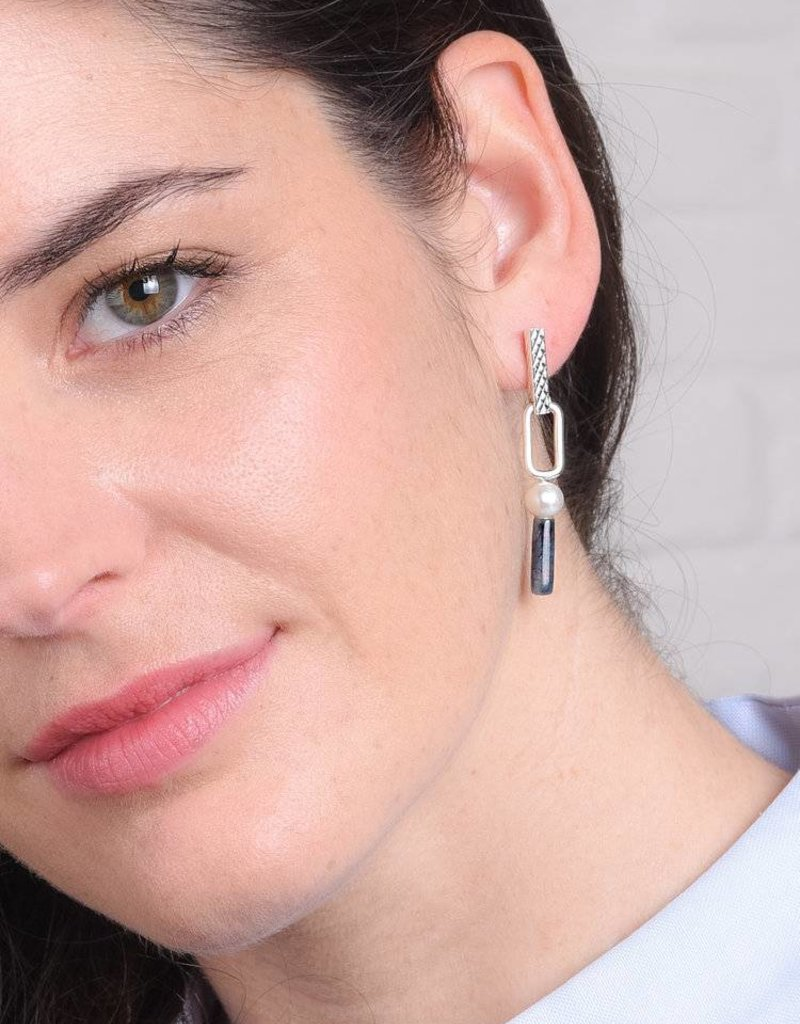 Studio Collect elegant earrings with pearls & dumortierite Silver