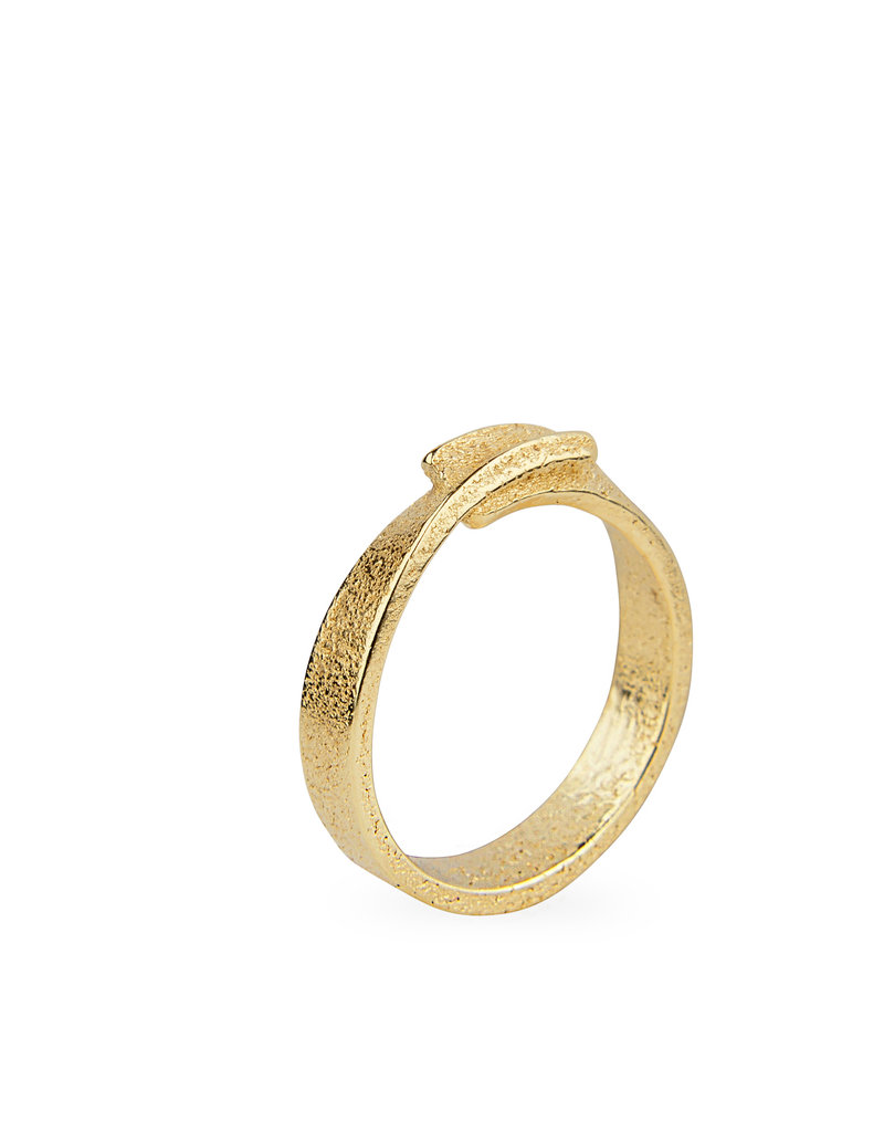 Ola Minimal Twisted Ring Gold
