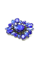 Brooch square blue stones