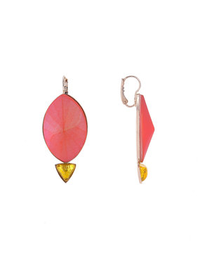 Philippe Ferrandis Oorbellen hangers grote ovaal en kleine driehoek oranje/geel