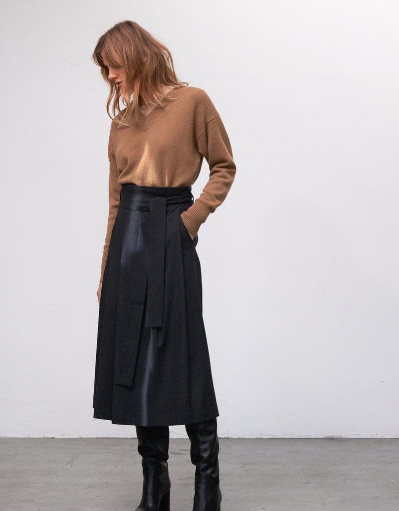 Zenggi Pleated Shawn Skirt Charcoal