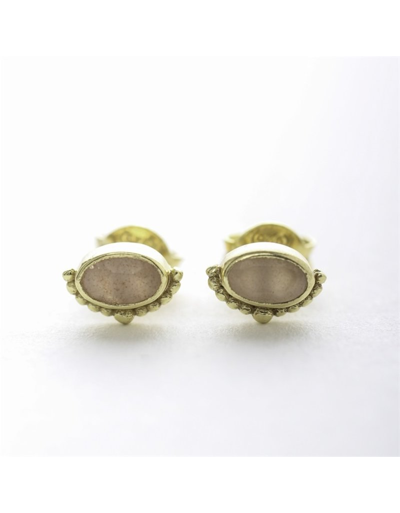 Muja Juma Oorbellen oval crown peach moonstone gold plated