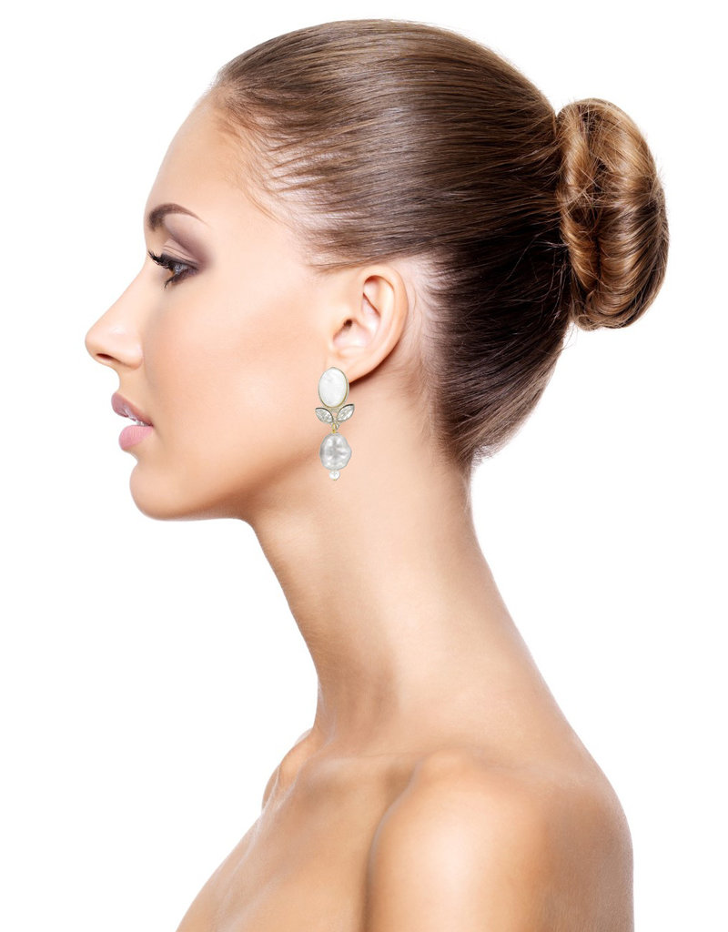 Philippe Ferrandis Earrings clips with leave and pearl white