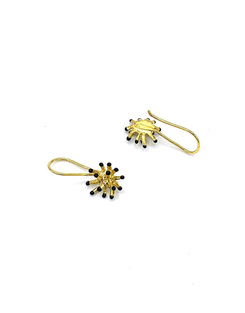Sissy Koukeri Oorbellen hangers zeegel goud/zwart