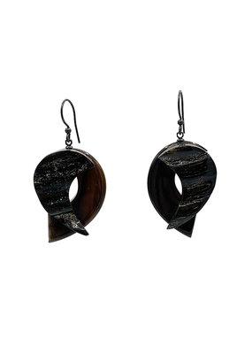 Oorbellen hangers hoorn/bruin