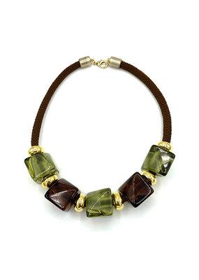 Korte halsketting bruin/groene cubes bruin koord