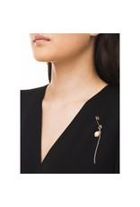 Wouters & Hendrix SAFETY PIN BROOCH WITH DANGLING CHAIN AND PEARL