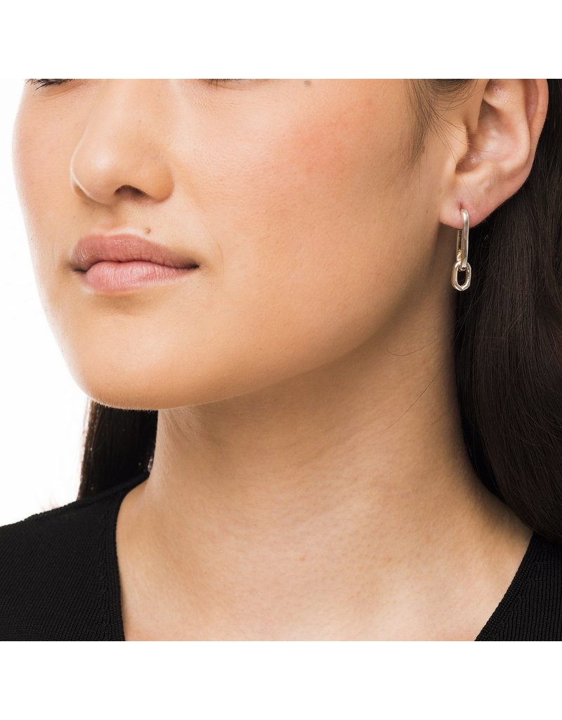 Wouters & Hendrix ELEGANT LONG STUD EARRINGS WITH CHAIN ELEMENTS GOLD