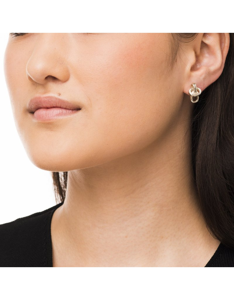 Wouters & Hendrix SUBTLE STUD EARRINGS WITH CHAIN ELEMENTS SILVER