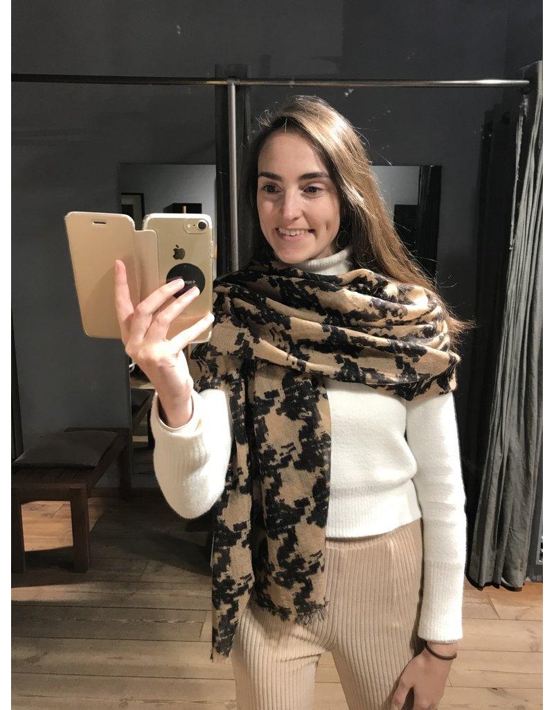 Faliero Sarti Sjaal Pier
