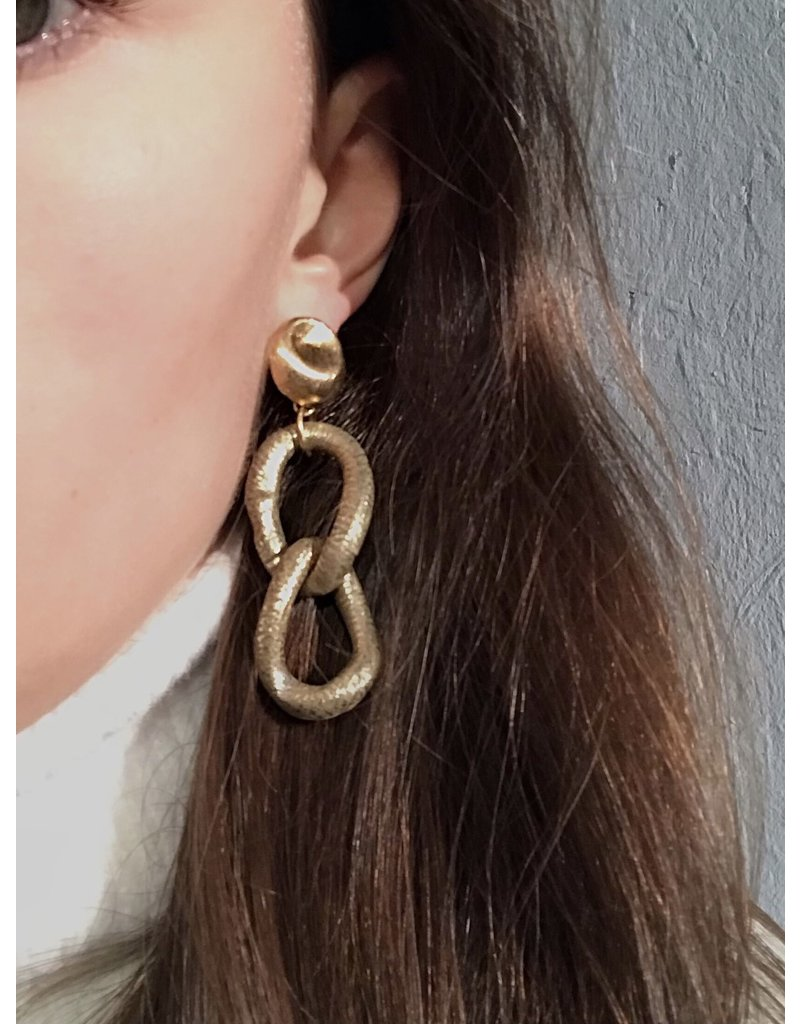 Marilia Capisani Stud earrings gold plated with gold chain links