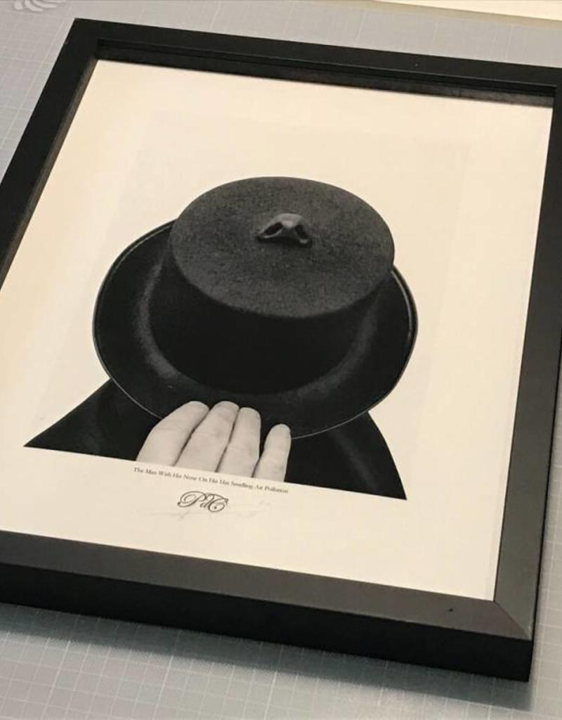 Edition Peter de Cupere 40x50 cm, The Man With His Nose on His Hat Smelling Air Pollution, 2015 - 2017
