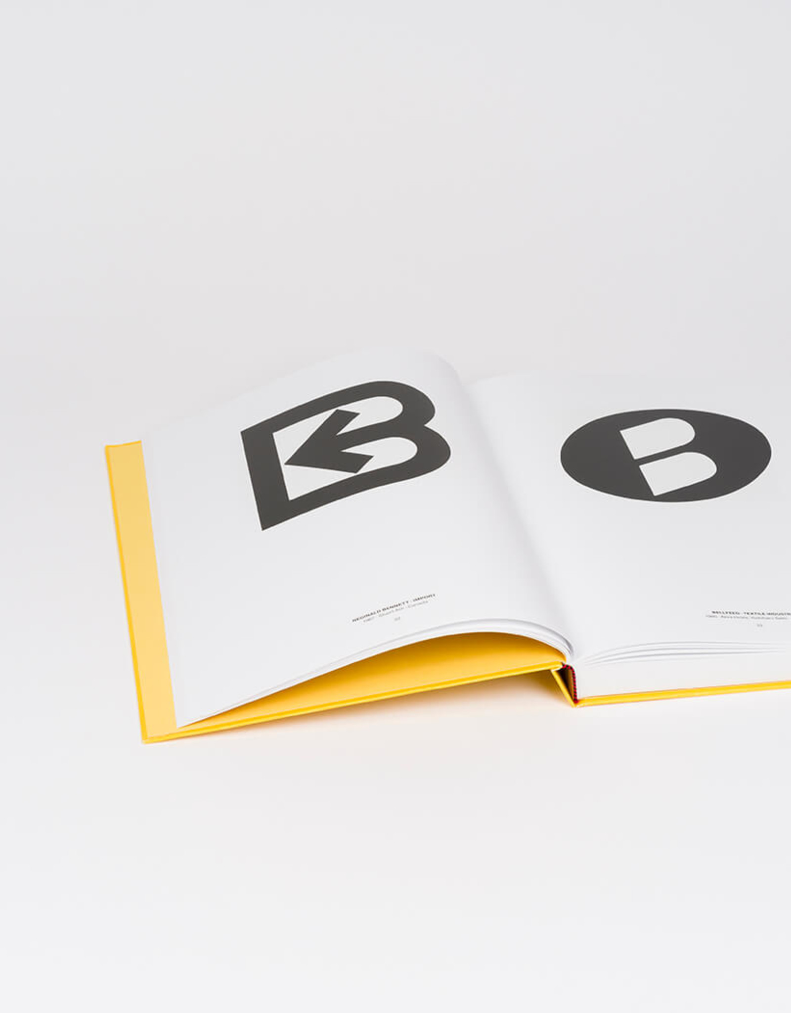 Christophe De Pelsemaker & Paul Ibou - Letters as Symbols - International collection of lettermarks