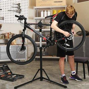 Songmics PRO DELUXE Fiets Montagestandaard Reparatiestandaard met magnetische gereedschapsbakje | 360°  Draaibaar | Licht en in Hoogte verstelbaar van 112 tot 171 Cm. | Aluminium montagestandaard reparatieset voor fietsen | Kleur: Zwart