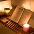Decopatent Universeel Badrek verstelbaar van 50 -> 93 Cm - Voorzien van Boekenhouder / Tablethouder - Bamboe Hout - Badplank met Boekenhouder + Plaats voor Kaars en Glas Wijn - Kleur: Natural -Decopatent®