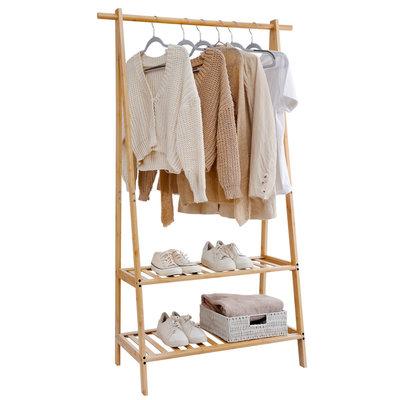 Decopatent Kledingrek van bamboe hout - Staand Houten kledingstandaard voor kamer / hal / garderobe of slaapkamer - Kleding rek met 2 Legplanken - Garderoberek - Kledingstandaard - Decopatent®