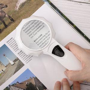 Decopatent Hand Loep met LED verlichting - 6x Vergroting - Lees Vergrootglas - Lezen voor Slechtziende - Magnifier - 19 x9 x 3 Cm