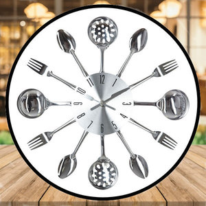 Decopatent Decopatent® Ronde Bestek Wandklok 38 Cm - Klok met Bestek - Vork - Lepel - Keukenklok Wandklok - Keuken - Woonkamer - Restaurant