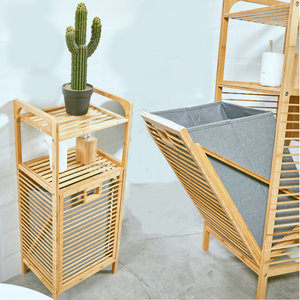 Decopatent Decopatent® - Badkamerrek met Wasmand - Bamboe hout - Badkamerkast - Badkamermeubel - 2 etages - waszak - Opvouwbare wasmand