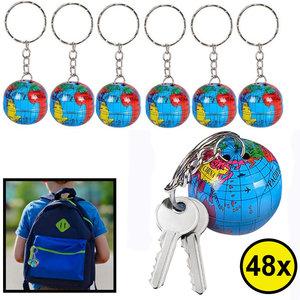 Decopatent Decopatent® Uitdeelcadeaus 48 STUKS Wereldbol Sleutelhangers - Traktatie Uitdeelcadeautjes voor kinderen - Klein Speelgoed