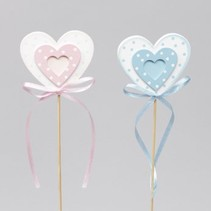 cb. 8 wooden baby hearts/stick pink/blue 6x5.5cm