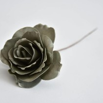 Open Rose grey small