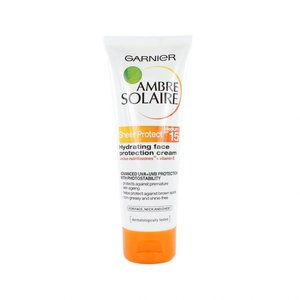 Ambre Solaire Sheer Protect Face Protection Cream (SPF 15)