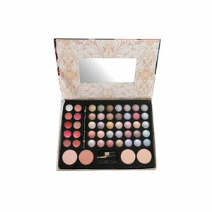 Vintage Chic Make-up Collection