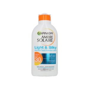 Ambre Solaire Light & Silky Zonnebrand Lotion (SPF 30)