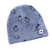 little label Blauw mutsje met een alloverprint van pinguins