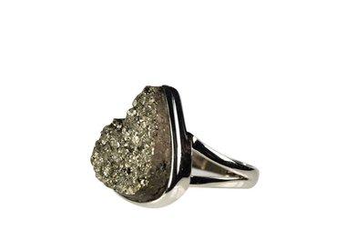 Pyriet ringen