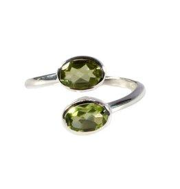 Zilveren ring peridoot maat 17 1/2 | 2 ovalen