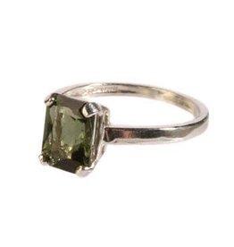 Zilveren ring moldaviet maat 18 | rechthoek facet 8 x 6 mm