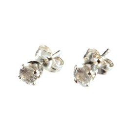 Zilveren oorstekers fenakiet rond facet 4 mm