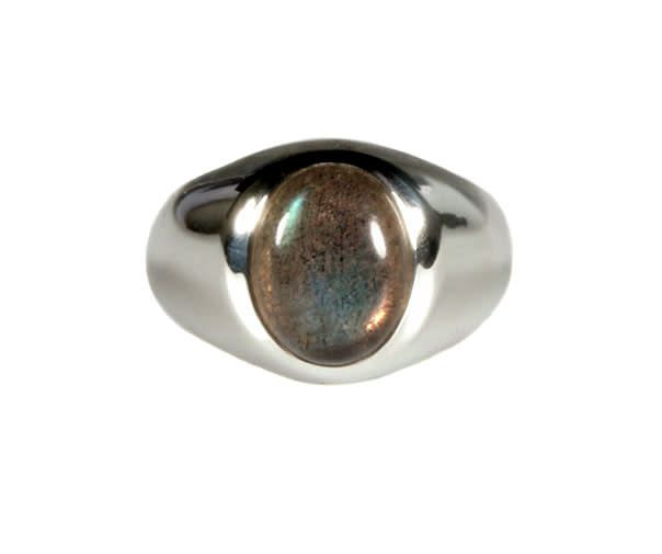 dfe6eafac3d Zilveren ring labradoriet maat 15   ovaal 10 x 8 mm brede band ...