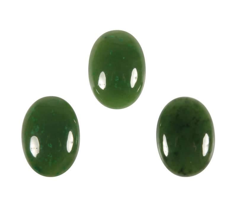 Jade cabochon ovaal 18 x 13 mm