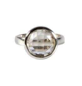 Zilveren ring bergkristal maat 18   rond facet 1,2 cm