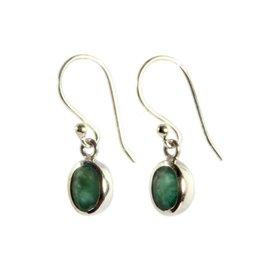 Zilveren oorbellen smaragd ovaal facet 7 x 5 mm