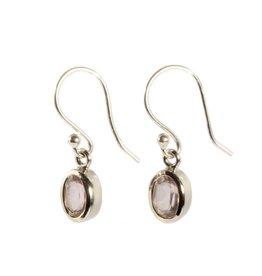 Zilveren oorbellen rozenkwarts ovaal facet 7 x 5 mm