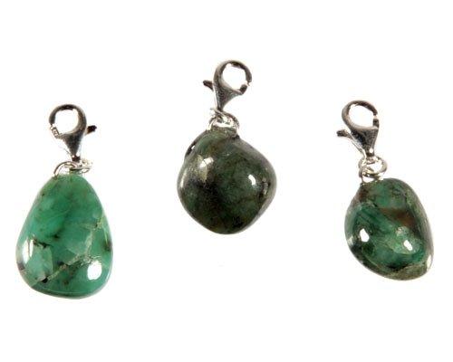 Smaragd bedeltje met sterling zilveren slotje