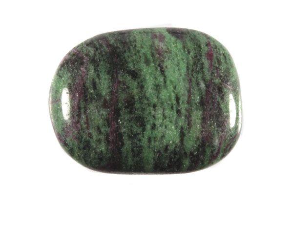 Robijn in zoisiet steen plat gepolijst