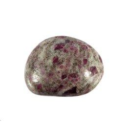 Robijn in veldspaat steen getrommeld 5 - 10 gram