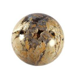 Magnesiet met kristallen en agaat bol 74 mm